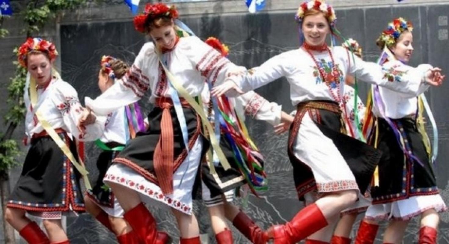 Нужны девушки 20-35 лет, танцующие классические украинские танцы