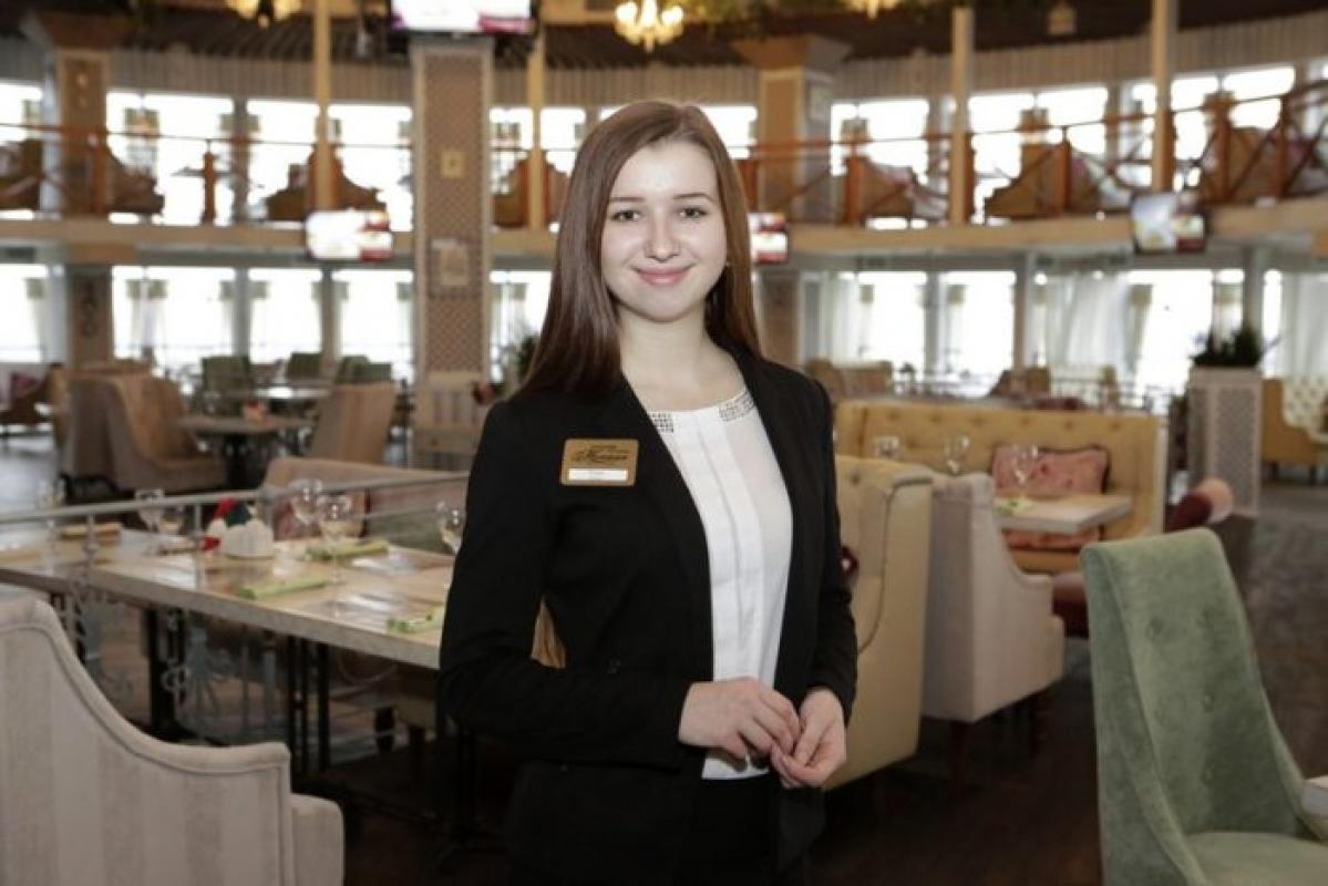 Ресторан — пивоварня Шато Robert Doms ищем в свою команду привлекательных девушек на вакансию хостес
