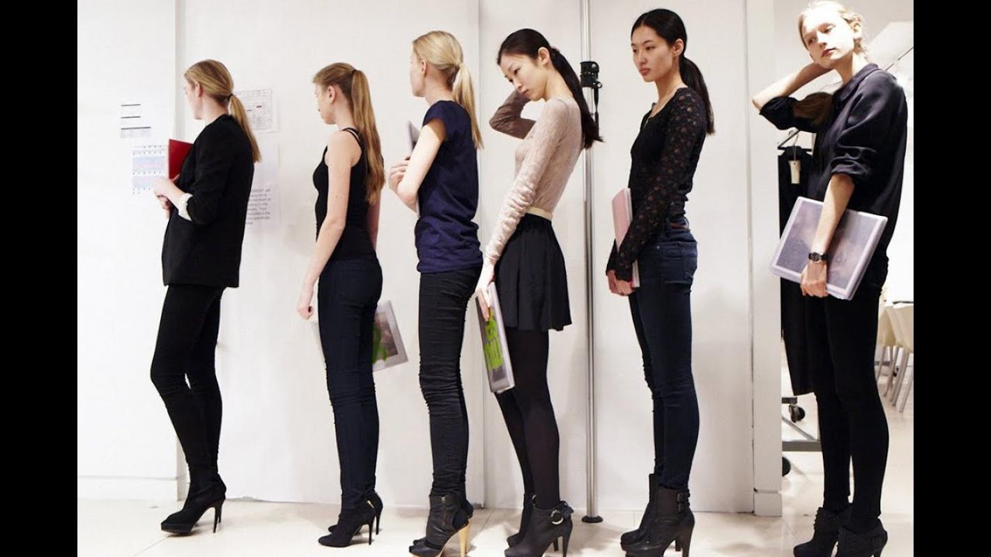 Нужны модели для показа нового бренда одежды. 27.11