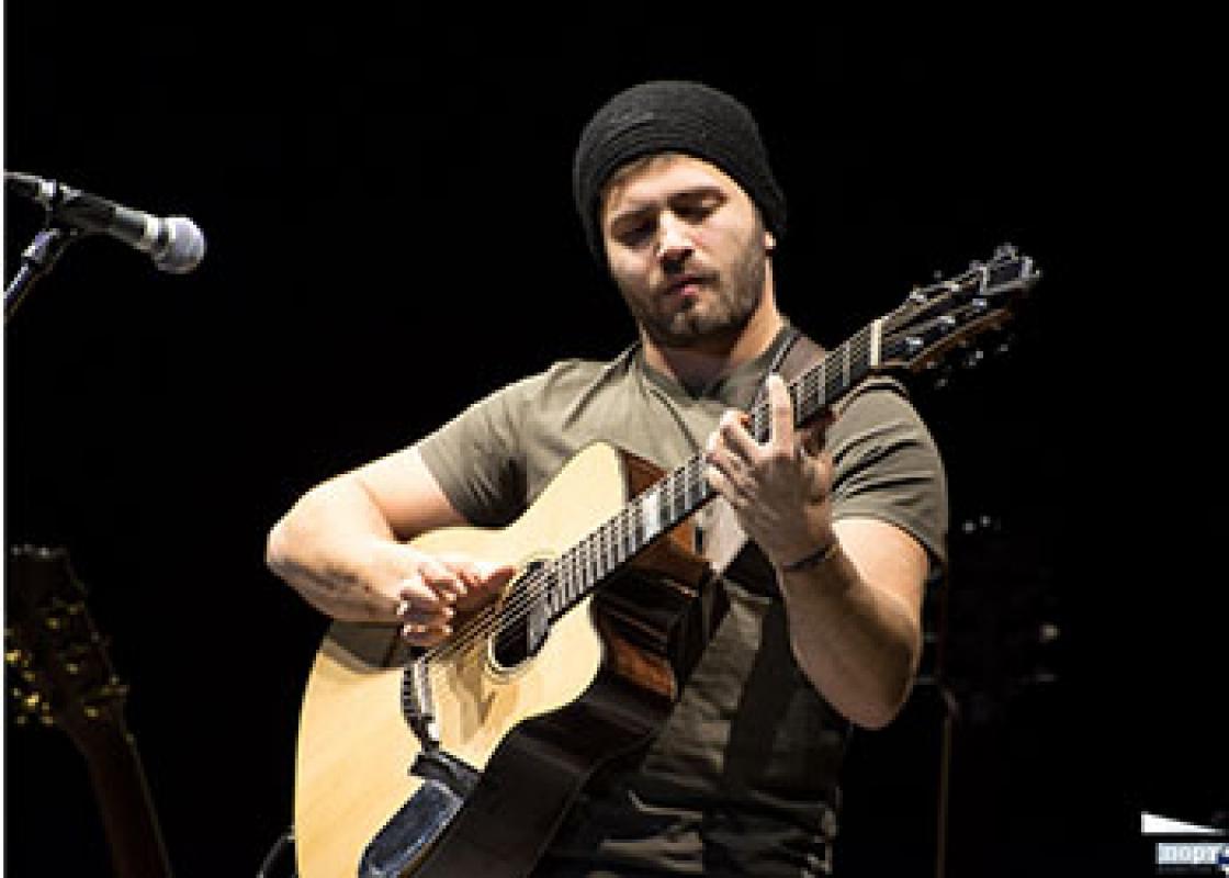 На съёмку нужен гитарист со своей гитарой. 8-9.12