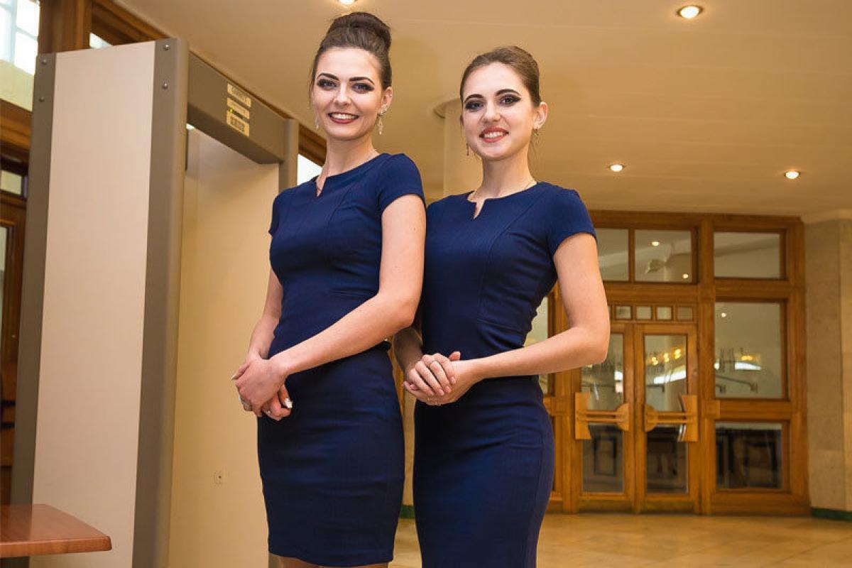Ресторан Premium класса в центре Киева приглашает на работу Хостес