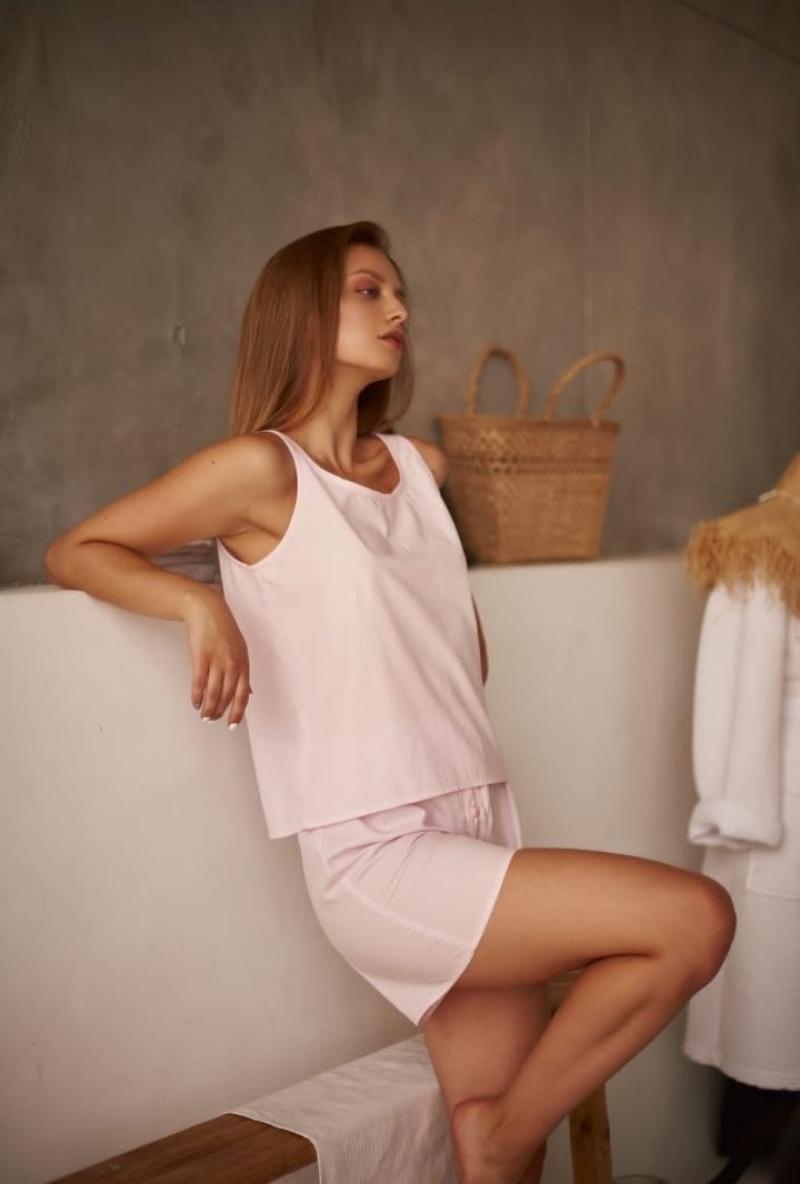 Нужна модель девушка 18-30 лет с длинными волосами для фотосессии пижам 10.10
